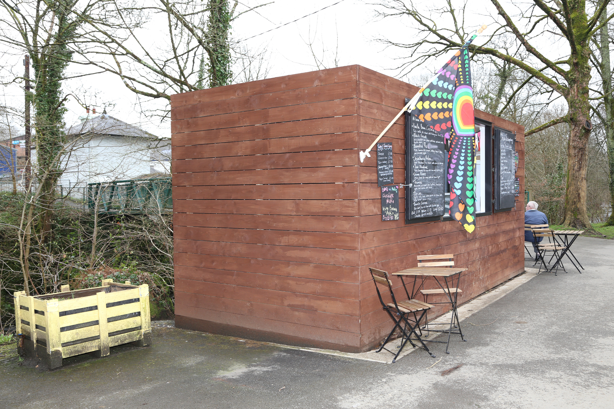 container pop up cafe cladded